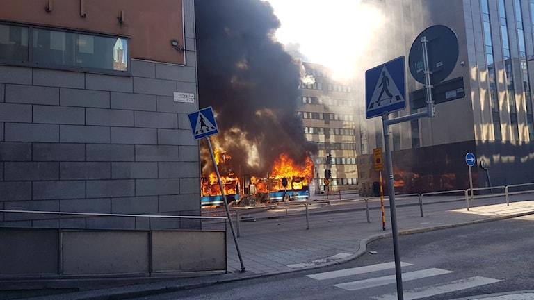 Bussexplosion vid Klaratunneln