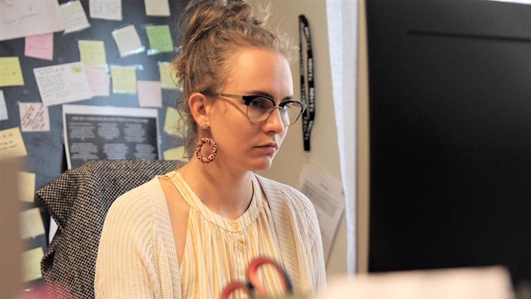 Tess Ekengren arbetar på Indra queer-, trans- och tjejjour i Sollentuna.