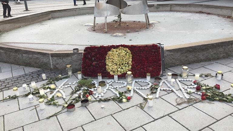 Minnesplats efter dödsskjutningen i Rinkeby.