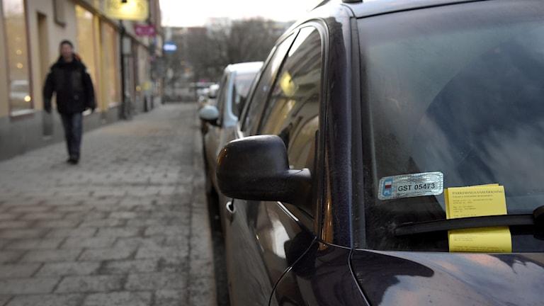 Bilar med parkeringsbot.