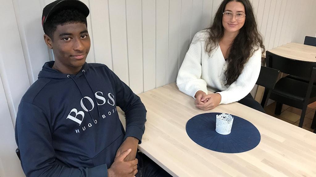 Hussein Ahmed och Amina Khalil, bägge 16 år.