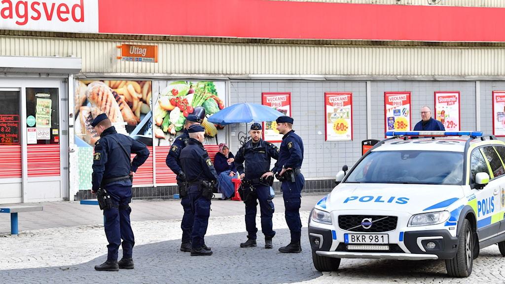 Polisen på plats i Rågsved