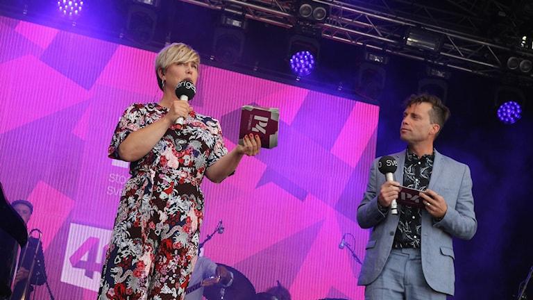 P4 Stockholm firar 40 år på Skeppsbron. Ylva Lilja och Henrik Olsson.
