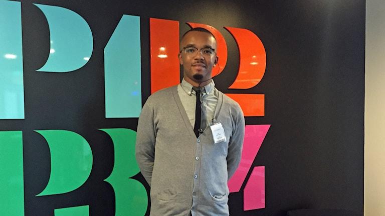 Kevin Pedral gästade P4 studion för att prata om upplevt utanförskap på den svenska arbetsmarknaden.