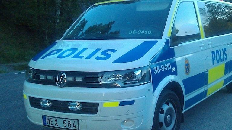Efter en rad bränder ökar polisen sin närvaro i Tyresö kommun.