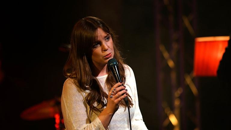 Amanda Ginsburg uppträder i Musikplats Stockholm.