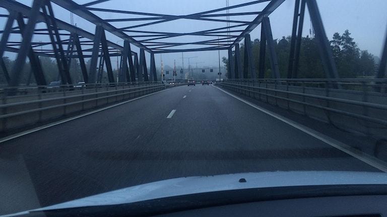 Motorvägsbron i Södertälje är åter öppen för trafik