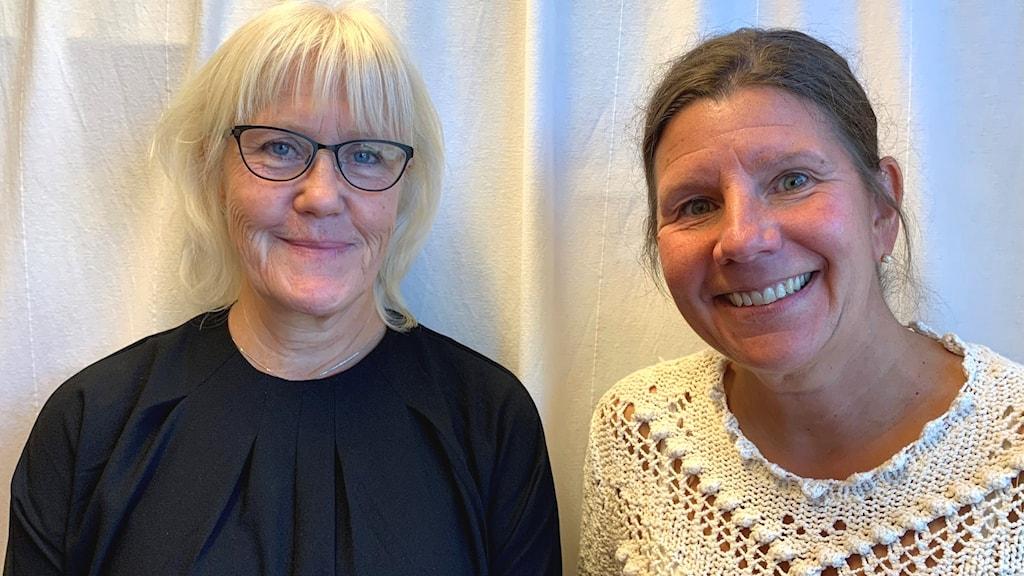 Specialpedagog Lena Nyström och strateg Åsa Franzén vid utbildningsförvaltningen Huddinge.