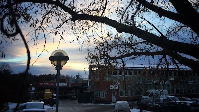 Gatulyktor i Geneta centrum i Södertälje.