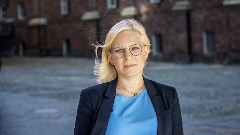 Karin Ernlunc (C)