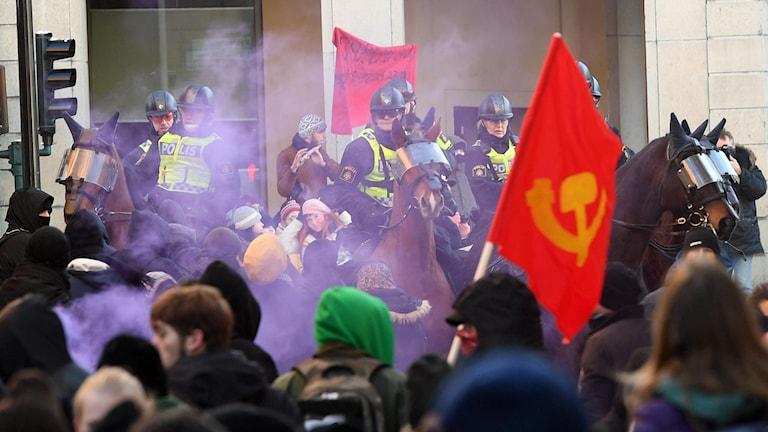 Bråkiga demonstranter