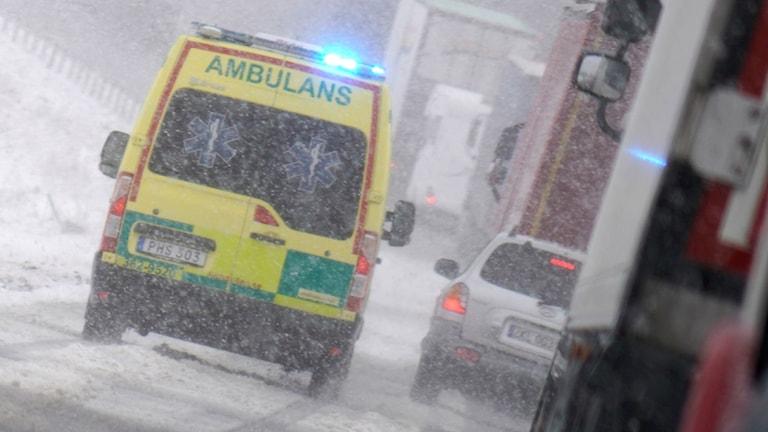 Det kraftiga snöfallet i november 2016 gjorde att ambulansen dröjde.