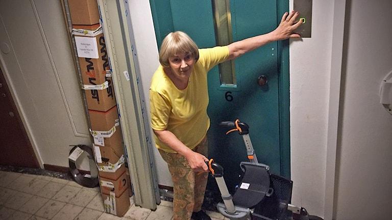MS-sjuka Ann-Margrete, 71, bor på sjätte våningen.