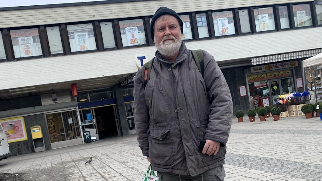Fruängsbon Jonas Ljungstedt bestämt sig för att vaccinera sig efter en del funderingar.