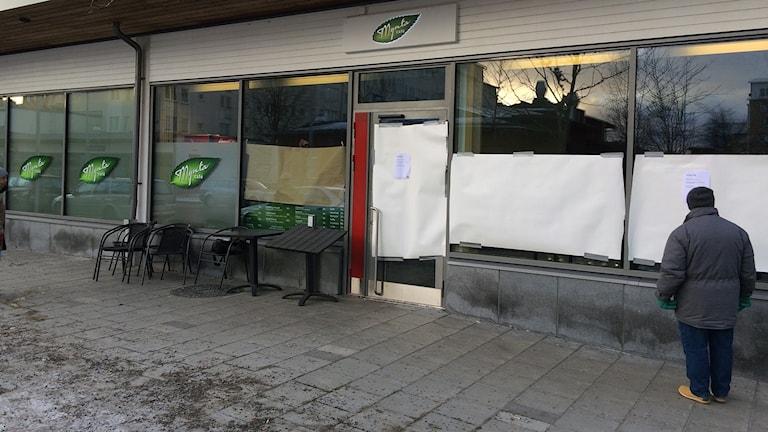 Cafe vid Rinkebystråket efter dödsskjutningar