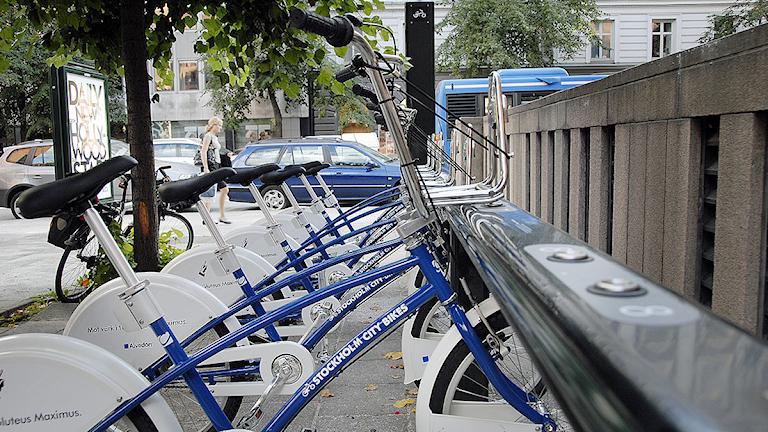 Hyrcyklar i ett cykelställ. Arkivfoto: Pontus Lundahl/Scanpix.