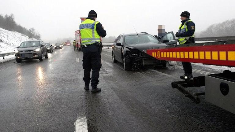Arkivbild:Bil som kört in i mitträcket på E6 án vid Spekeröd