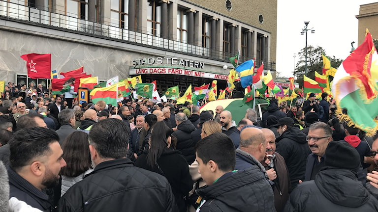 Demonstration mot Turkiets anfall i Syrien