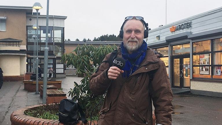 Peter Stenberg programledare i Lövgärdet centrum