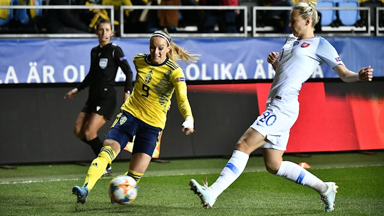 Kosovare Asllani möter Slovakiens Andrea Horvathova