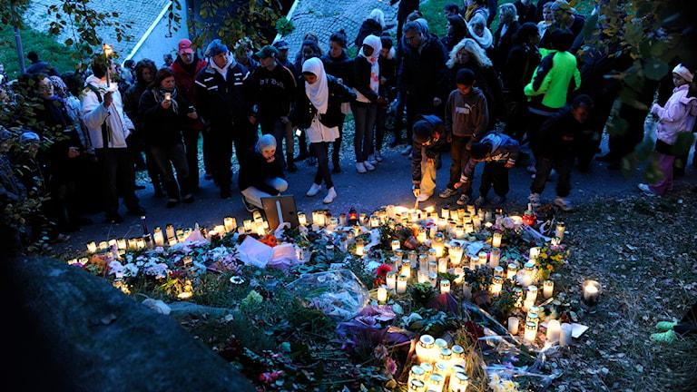 Cirka tusen personer protesterade mot våldet i lördags efter mordet på Elin Krantz. Foto: Björn Larsson Rosvall/Scanpix