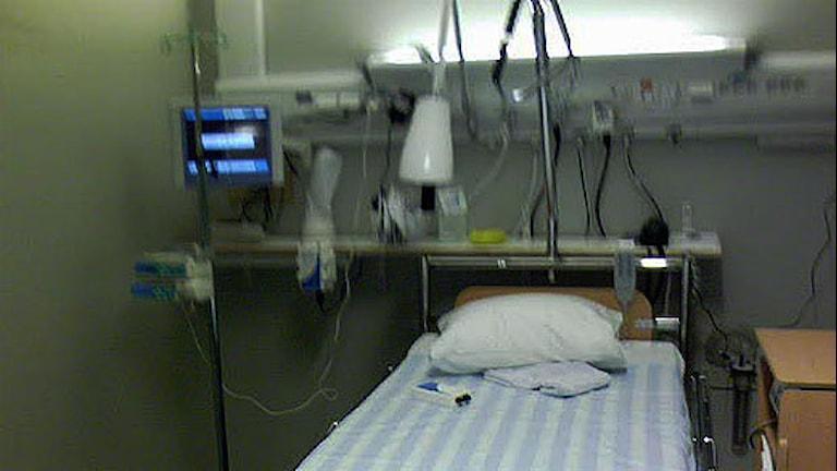 Sjukhussäng.