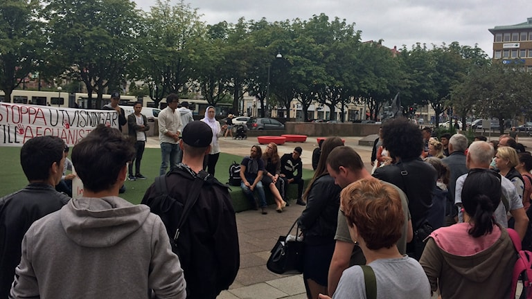 Ett 50-tal personer har samlats vid sittstrejken i Göteborg