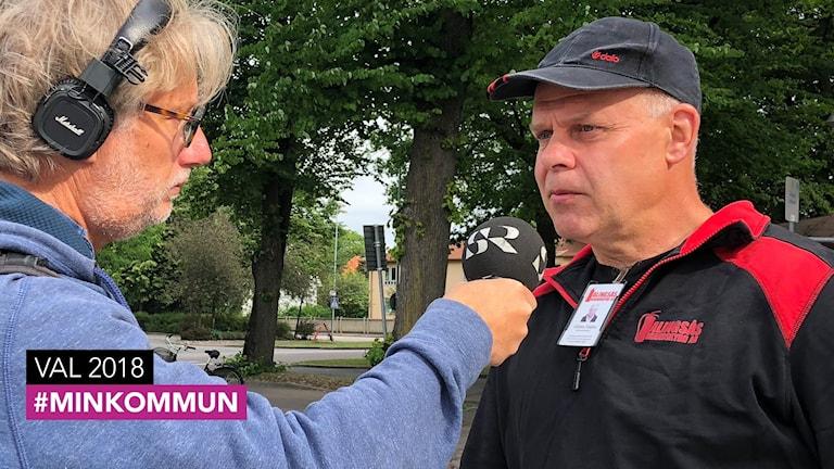 Gösta Hallin intervjuas av Peo Wenander