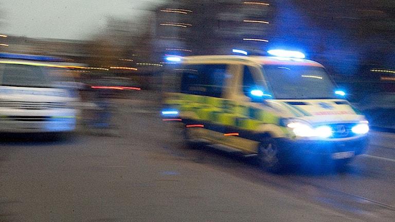Ambulans under utryckning Foto: Bertil Ericson/Scanpix.