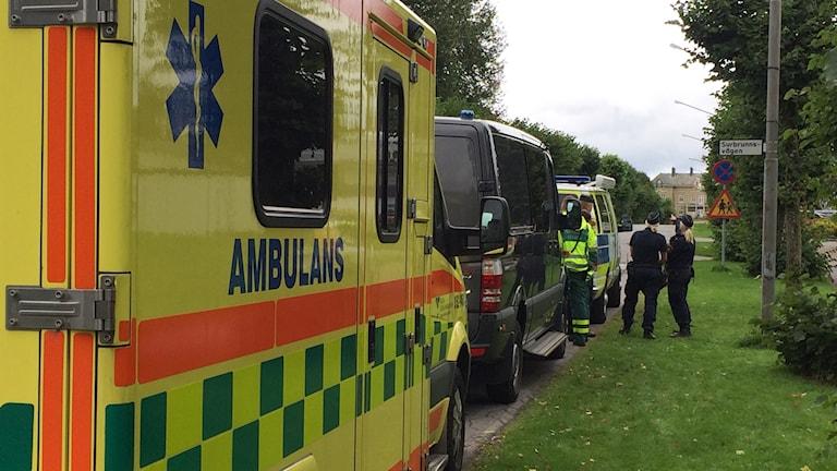 ambulans och polis