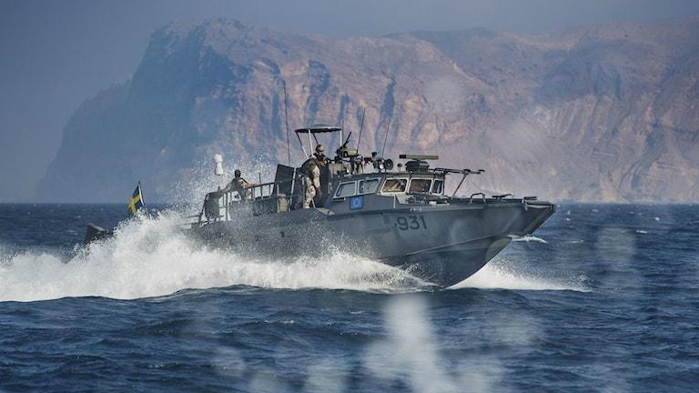 En svensk militärbåt