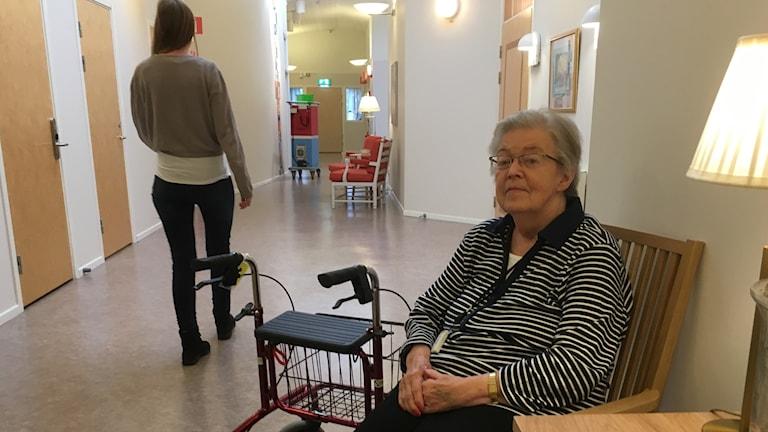 Britt-Marie Carlsson trivs bra på Tre stiftelser i Kallebäck.