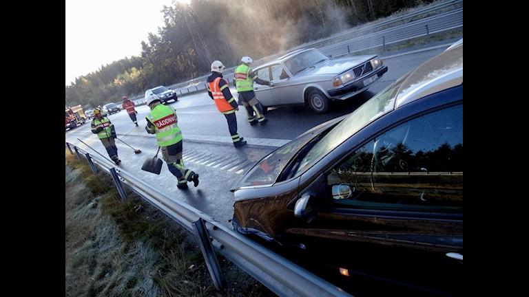 Arkivbild. Blixthalkan har skapat problem för bilister och fotgängare . Foto: Johan Nilsson/Scanpix.