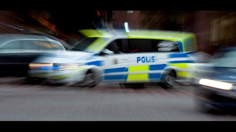 Polisbil under utryckning. Foto: Bertil Ericson / Scanpix