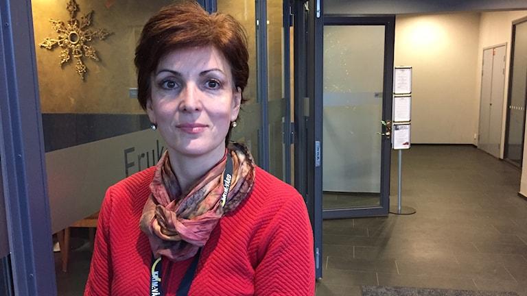 Sanela Ovcina, chef för kriminalvården i region väst jobbar för att få de anställda att jobba kvar. Foto: Josipa Kesic/Sveriges radio