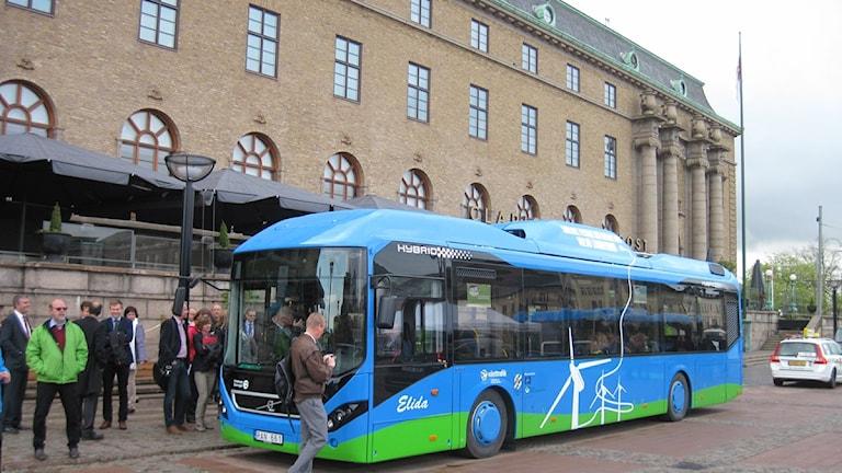 Laddbuss Västtrafik hybridbuss elbuss el hybrid buss drottningtorget