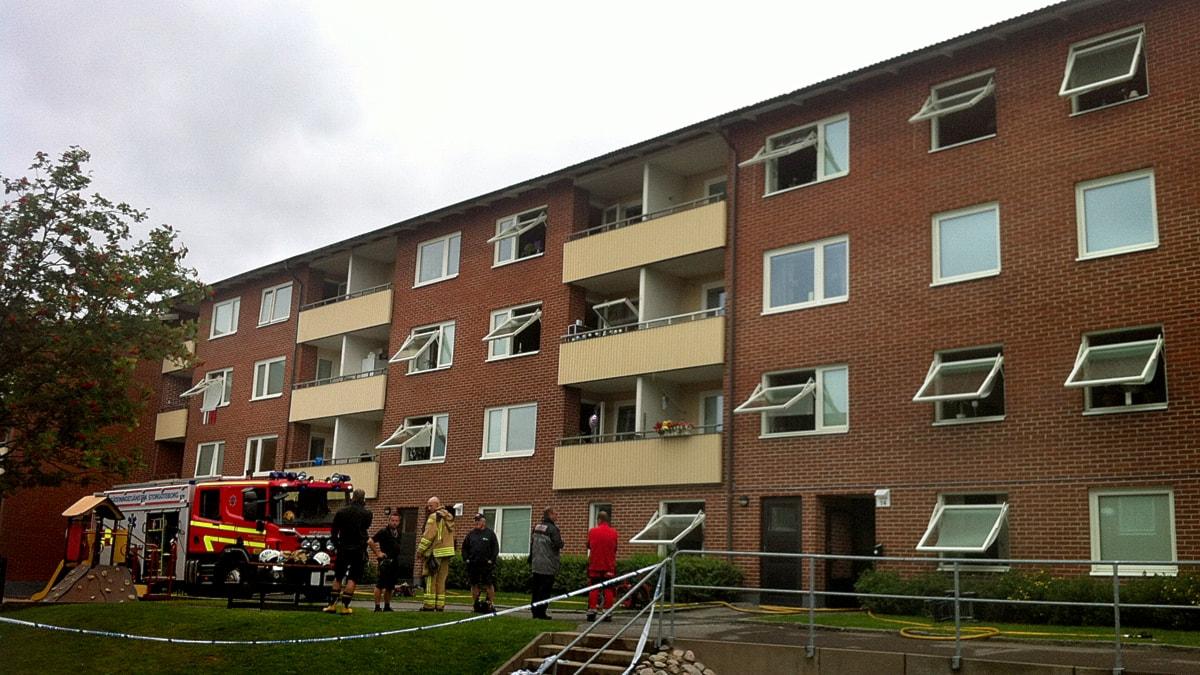 Brand i goteborg flera hus evakueras