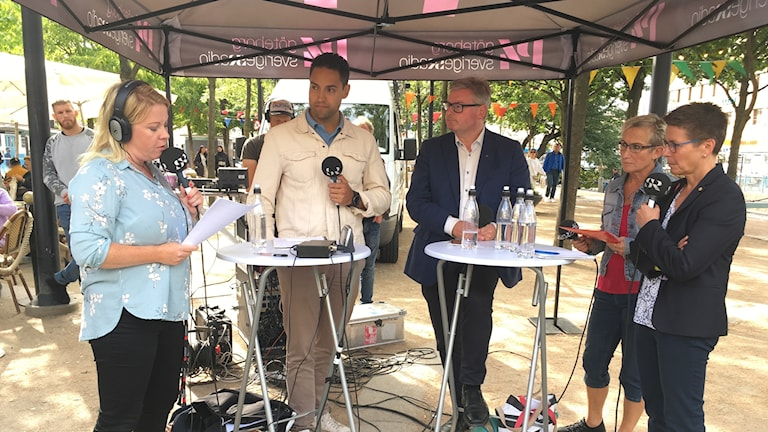 Fyra politiker, Karl Robbjens (SD), Jonas Ransgård (M), Ann-Sofie Hermansson (S),  Bettan Andersson (V).
