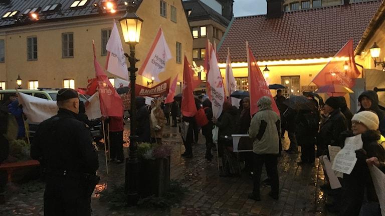 Demonstranter vid Kronhusbodarna.
