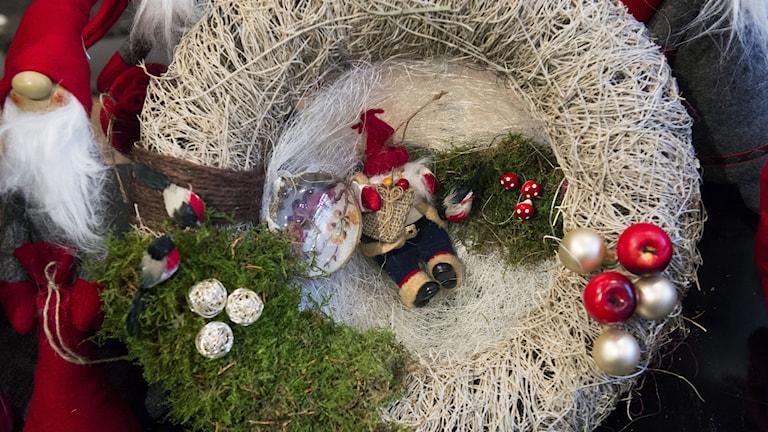 I år ska julpyntet vara inspirerat av naturen. Foto: Claudio Bresciani/TT