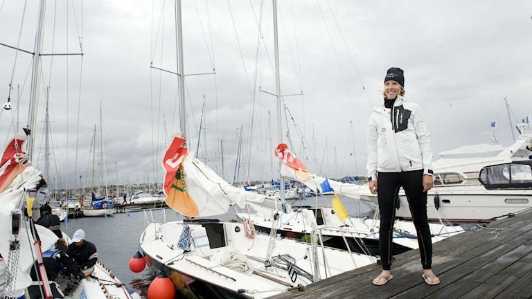 Anna Kjellberg, GKSS, framför flera segelbåtar. Foto: Björn Larsson/TT