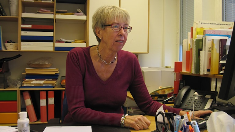 Gynekologen Anita Hagstad har många patienter i sin tidbol. Foto: Epp Anderson/Sveirges Radio