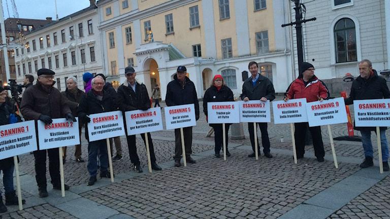 Demonstranter Gustav Adolfs torg. Foto: Linda Bergh/P4 SR Göteborg