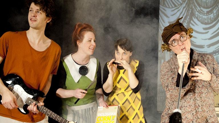 Bild från föreställningen Arietty - Lånaren Foto: Lina Ikse Bergman