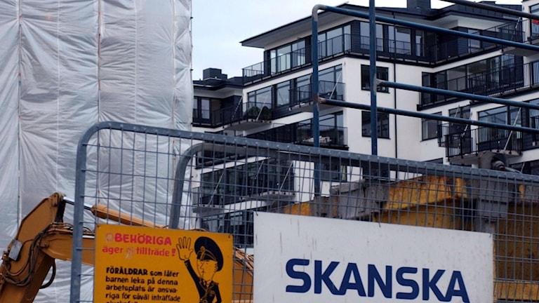 Flådigt flerfamiljshus med Skanska som byggherre. Foto: Jan Collsiöö/TT Bild
