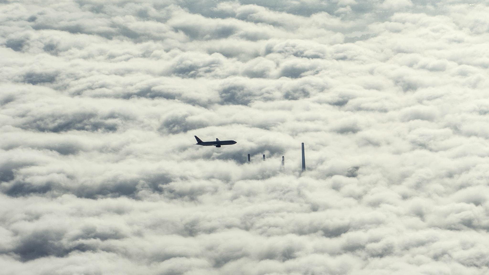 Flygplan beskots med laser