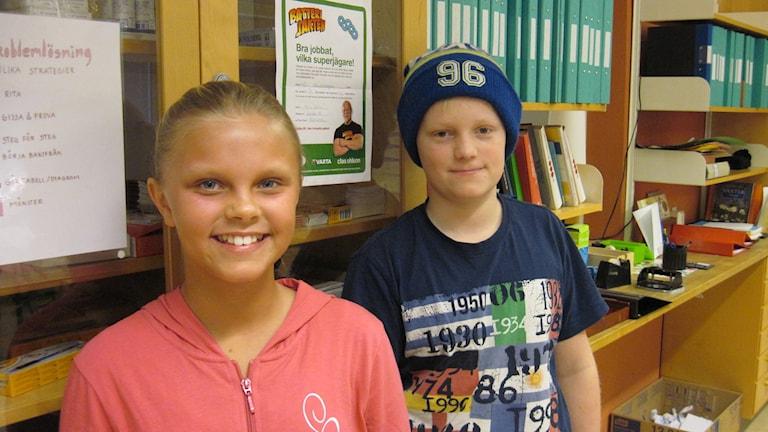 Alissa och Linus tävlar för Skutehagen 5B. Foto: Linn Ohlsson/SR.
