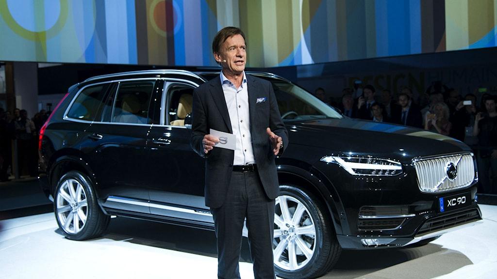 Vd Håkan Samuelsson framför den nya Volvo XC90. Foto: Pontus Lundahl  TT