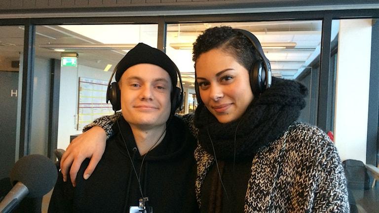 Albin Hallberg och Lisa Town i studion. Foto: Sylvia Dahlén/SR