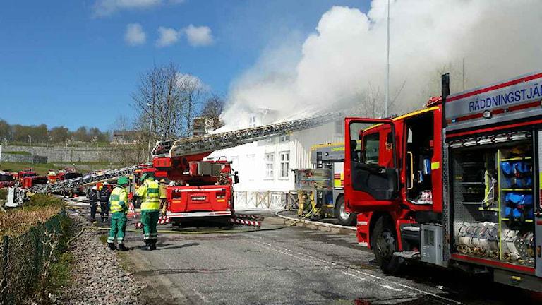 Det brinner i en villa i Mölndal. Foto: Oscar Livh